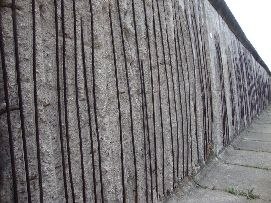 berlin-imagen-actual-de-un-trozo-de-muro-tal-como-era-foto-alfonso-vidal.JPG