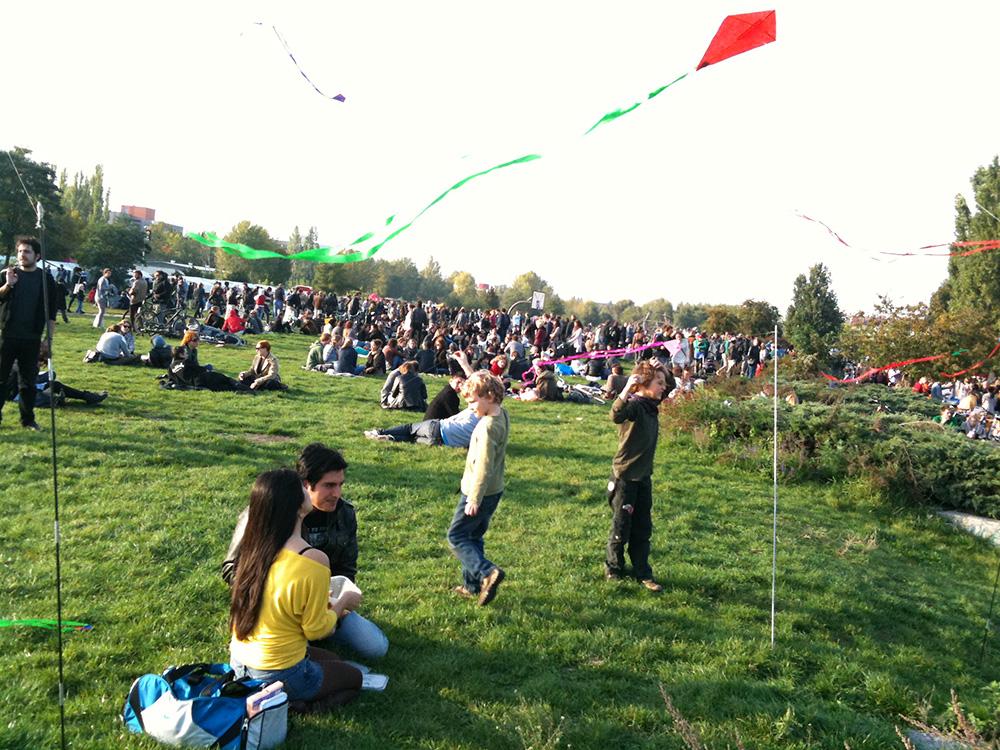 Volando cometas en el Mauerpark