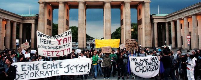 manifestaciones-15-m_puerta_brandenburgo_foto-lucas-rubio-albizu-para-el-heraldo.jpg