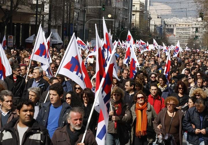 grecia-mani-festaciones-masivas-en-febrero-2011.jpg