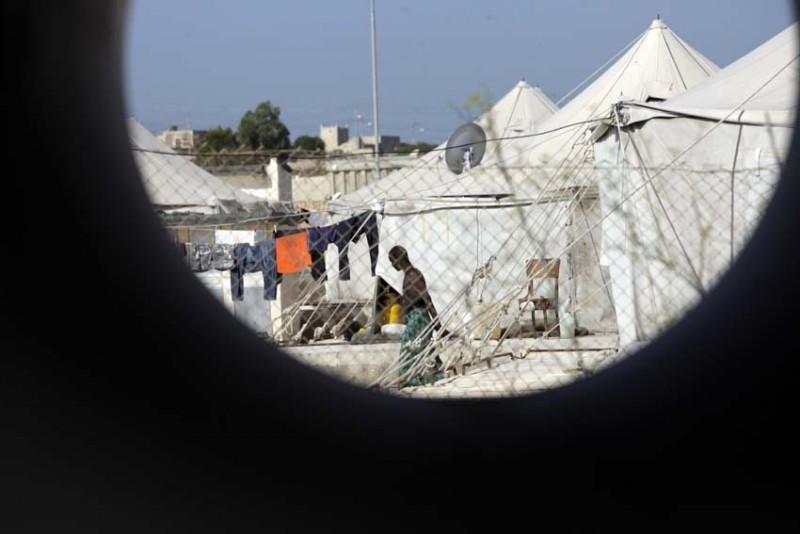 malta-refugiados-aspecto-campamento-foto-olmo-calvo.jpg