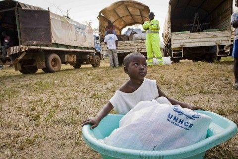 refugiados-nino-frontera-liberia-costa-marfil-foto-acnur-g-gordon.jpg