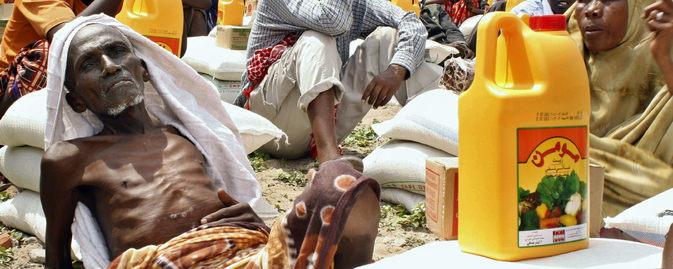 _somalia-anciano-desnutrido-foto-mustafa-abdi.jpg