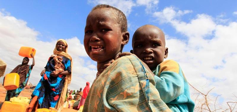 somalia-nino-acaba-de-cruzar-frontera-a-kenya-foto-thomas-mukoya-y-reuters.jpg