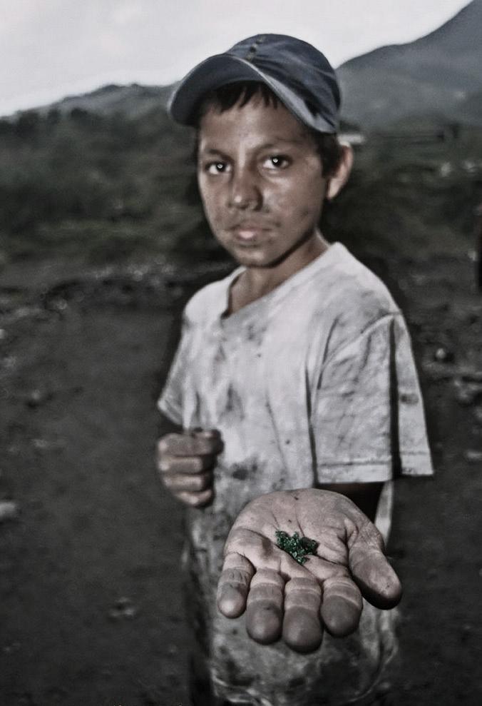 trabajo-infantil-colombia-carlos-y-minas-de-esmeraldas.jpg