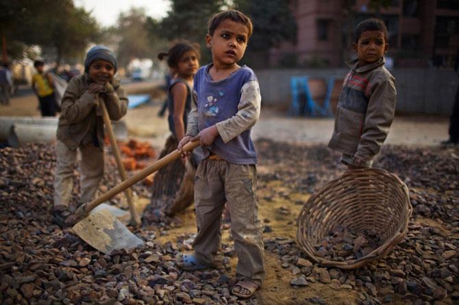 trabajo-infantil-minas-de-carbon-india-dzhaintiya-hills-en-la-india-nororiental.jpg