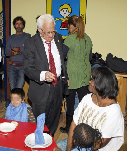 HAMBRE - ESPAÑA - COMEDOR DEL PADRE ÁNGEL PARA NIÑOS DE FAMILIAS SIN RECURSOS - FOTO EFE - 2012_3_7_5FkEU46jcZlu5AcWzPeG5